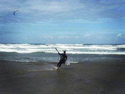 科斯塔特吉塞的风筝冲浪营地7天