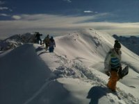 Team building tests to the top of the summits