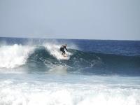 Alquiler equipo de surf en costa Teguise 1 día