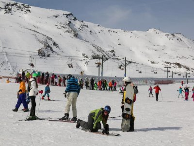 Snowboard rental for children Alto Campoo 1 day