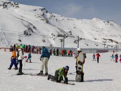 Noleggio snowboard per bambini Alto Campoo 1 giorno