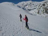 Sierra de Gredos 的雪鞋行走路线 4 小时