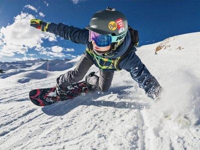 Baqueira Beret 3h的私人滑雪板课程