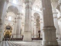 参观格拉纳达大教堂的