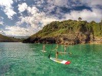 Paseos hacia el mar de paddle surf