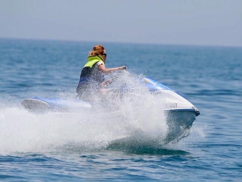 穿过罗克塔斯的水上摩托艇路线