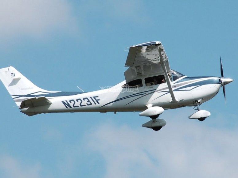 Sobrevolando Soria con un bautismo de vuelo