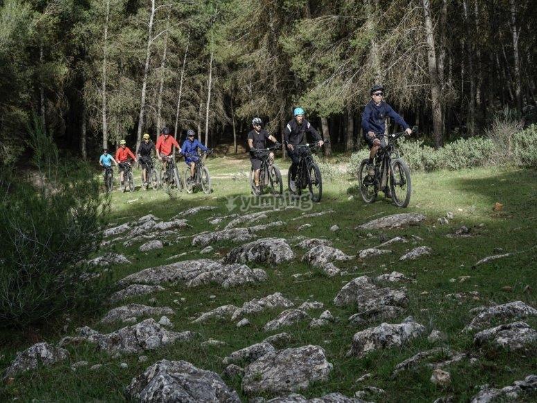 Godersi un'escursione con la bicicletta elettrica