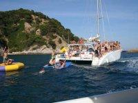 festa in barca in alto mare
