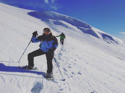 贝尔杰埃达(Berguedà)进行雪鞋行走2小时