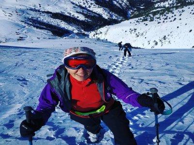 穿过La Gallina Pelada的雪鞋行走路线6小时