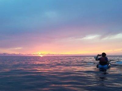Ruta en kayak al atardecer y snorkel en Portinax