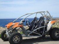 在梅诺卡岛的越野车