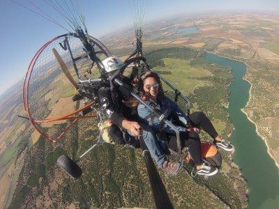 滑翔伞飞行,带照片和视频加的斯30分钟