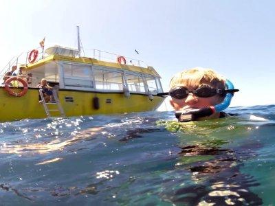 Paseo en barco y snorkel con aperitivo niños Mogan