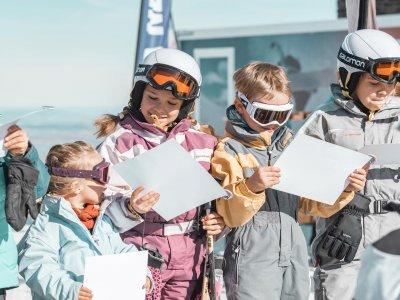 Clase de snowboard para niños en Sierra Nevada 1 h