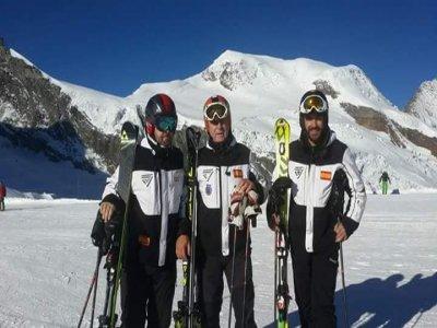 Clase de esquí Sierra Nevada con Carlos Olmedo 1 h