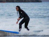 surfs