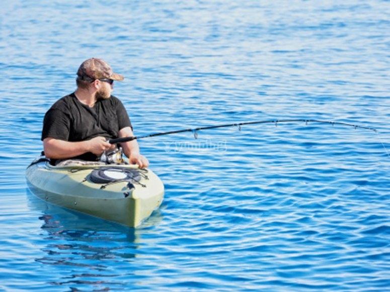 皮划艇钓鱼之旅