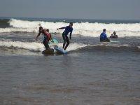Curso surf playa de Gijón