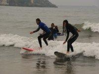 Clases de iniciación al surf en Gijón