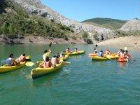 Piragüas独木舟漂流