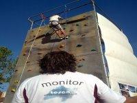 移动攀爬墙壁充气攀岩壁
