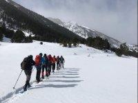 装有雪靴的路线瓜达拉马山脉