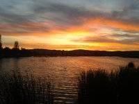 一个美丽的夕阳在城市real.jpg