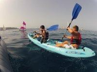Practicando el kayak
