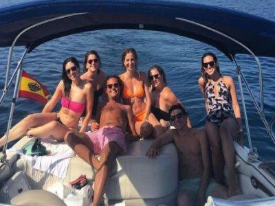 Alquiler de barco con patrón en Marbella 12 pax 4h