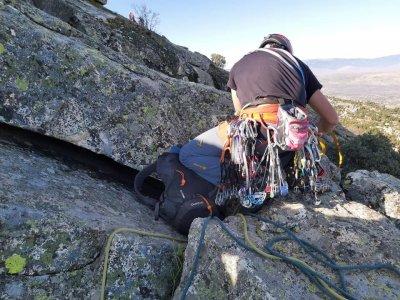 沿着La Pedriza的Ignatius爬上5个小时