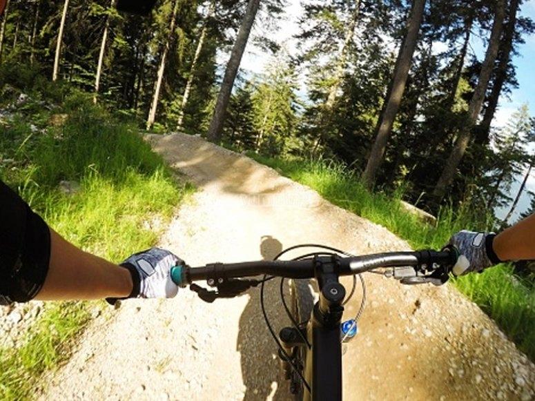 Por senderos off the road en bicicleta