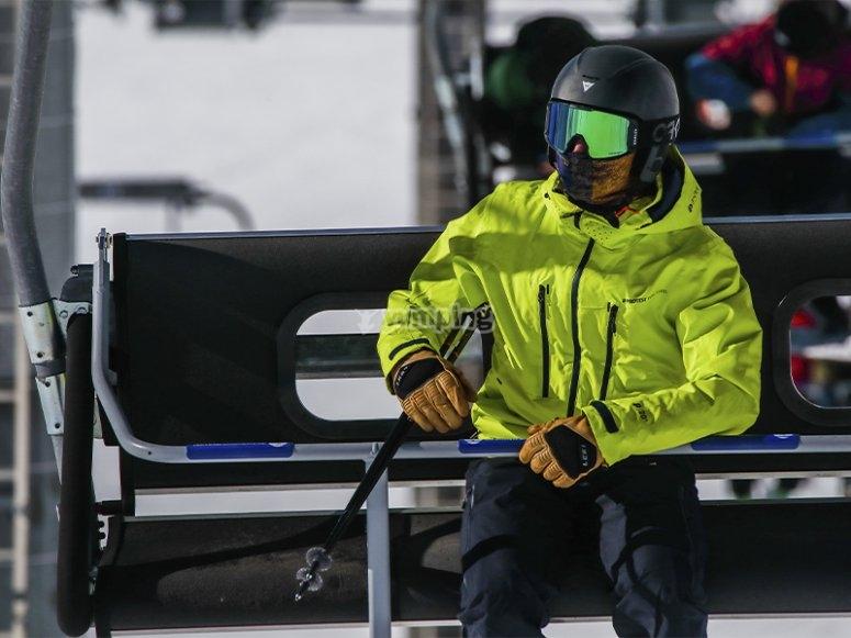 Clases de iniciación al esquí en Astún