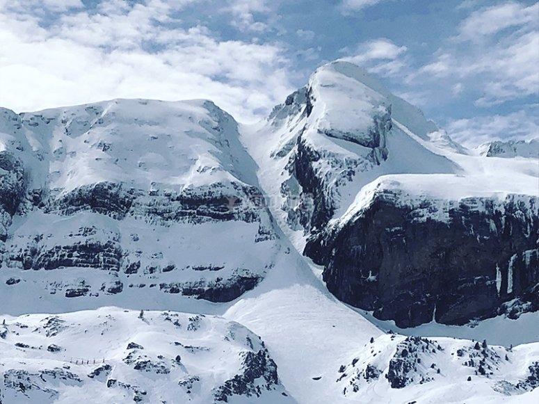 坎丹丘滑雪胜地的风景