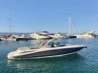 Barco saliendo del Puerto Deportivo de Marbella