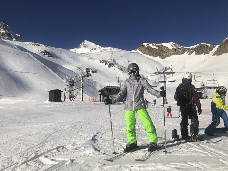 在坎丹丘滑雪