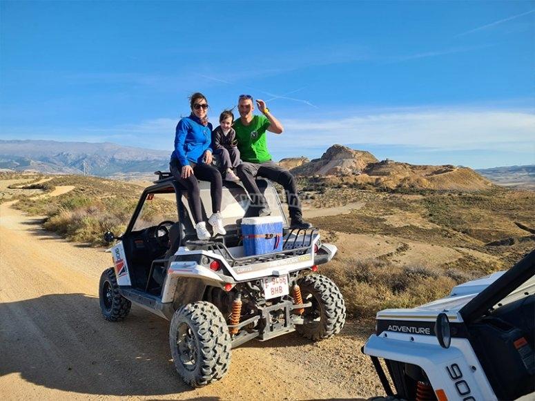 Excursión en buggy con amigos