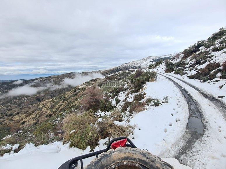 Paseando en buggy por la Sierra Nevada