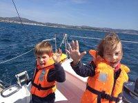 los peques en barco