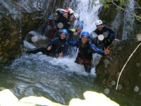 Divertidos team building con barranquismo