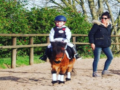 Lasarte-Orio儿童骑马课券