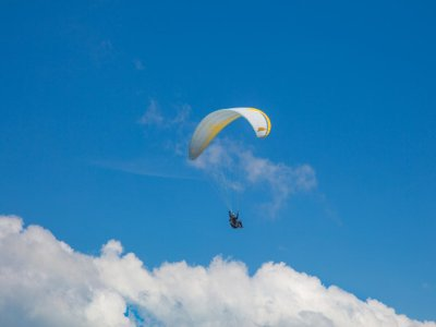 Paragliding flight with video in Lanestosa 45 mins