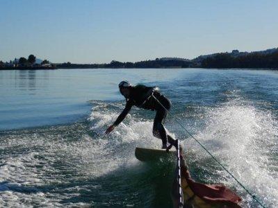 Corso di Wakeboard Costa de Chiclana 25 min