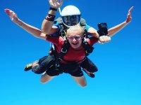 在降落伞中双人跳