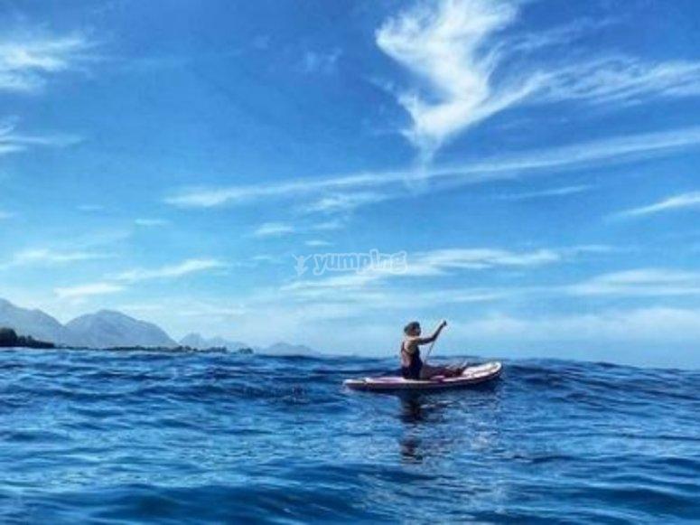 女子桨冲浪