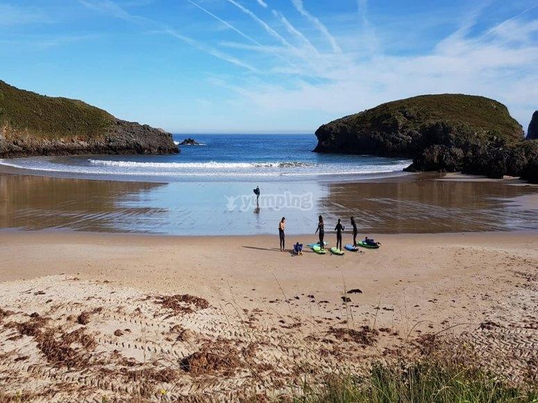 Aprende a surfear en Naves