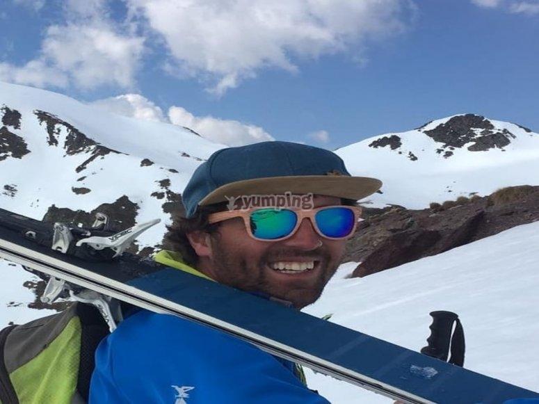 Astún度假胜地的滑雪老师