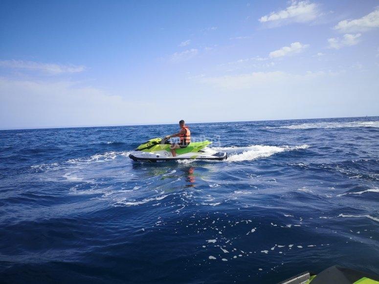 Paseo en moto de agua por Aguadulce