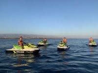 Con amigos en una ruta en moto de agua
